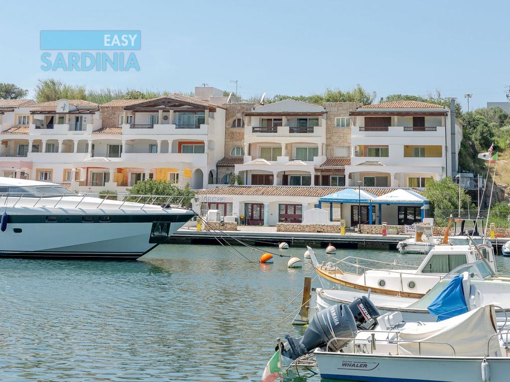 2 Camere da Letto, 4 Stanze, Appartamento, Affitto case vacanza, 1 Bagni, posto auto privato vista mare ampia veranda  ID Annuncio 1148